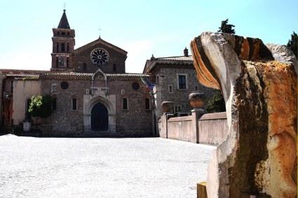 scultura piazza